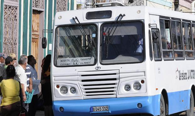 Restablecen servicio de transporte en Granma