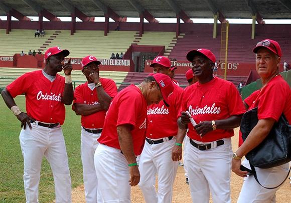 Vence Orientales en Juego de Veteranos del béisbol cubano