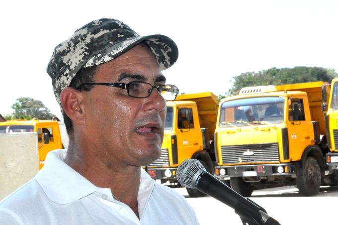 Contribuirán constructores de Granma a restañar daños causados por Matthew en Guantánamo