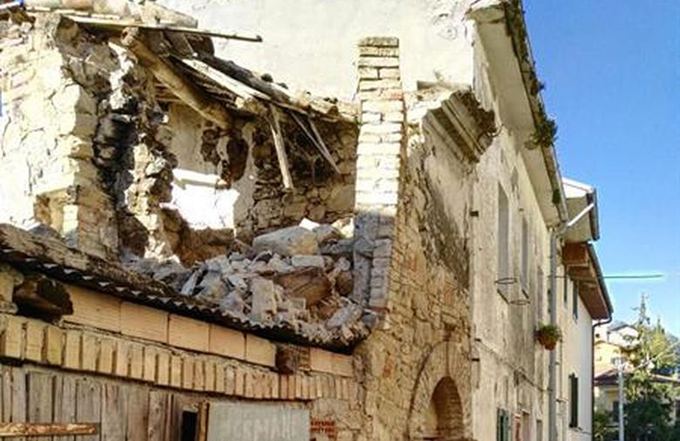 """Alcalde sobre el terremoto en Italia: """"Es una catástrofe, es un infierno"""""""