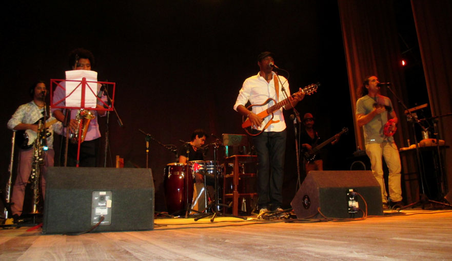 Debuta musicalmente Tony Ávila en Manzanillo
