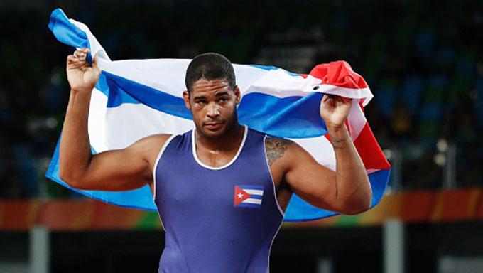 Cubanos intensifican su preparación para Grand Prix de lucha