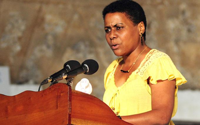 Otorgan Premio Academia Cubana de la Lengua 2016