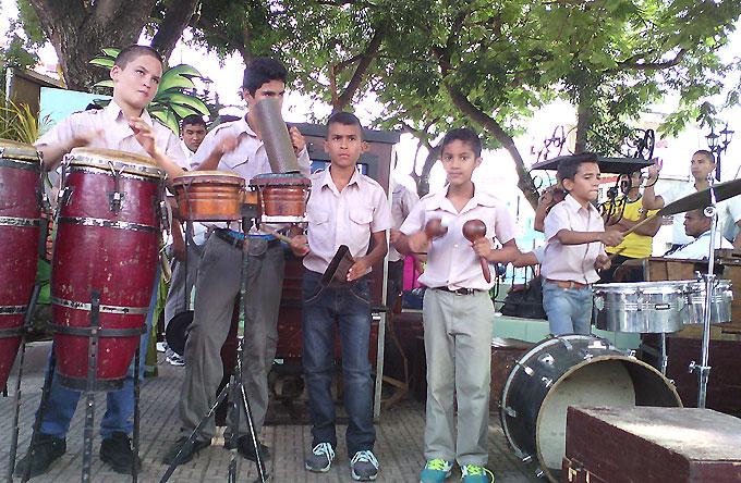 Debutan jóvenes organilleros en área de tradiciones de la Fiesta de la Cubanía (+ videos)
