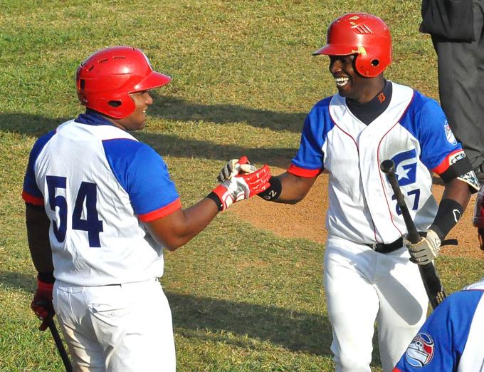 Alazanes ascienden al tercer escaño en temporada cubana de béisbol
