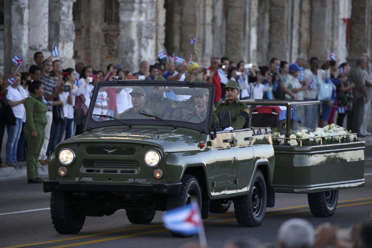 Cenizas de Fidel parten de La Habana rumbo a Santiago de Cuba (+ video y fotos)
