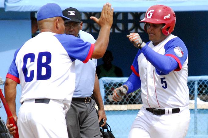 Prosigue la disputa por los cuatro cupos de la Serie Nacional de Béisbol
