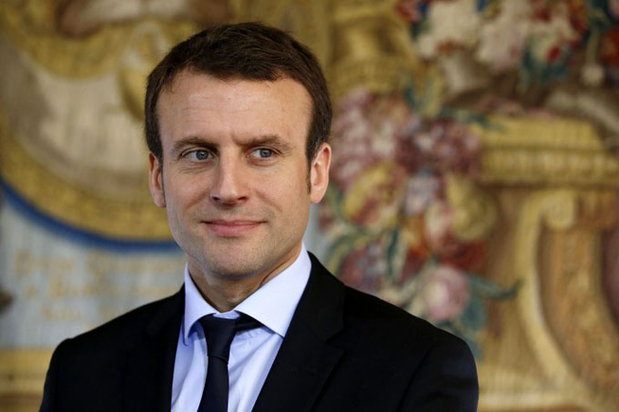 Exministro lanza polémica candidatura a elecciones en Francia