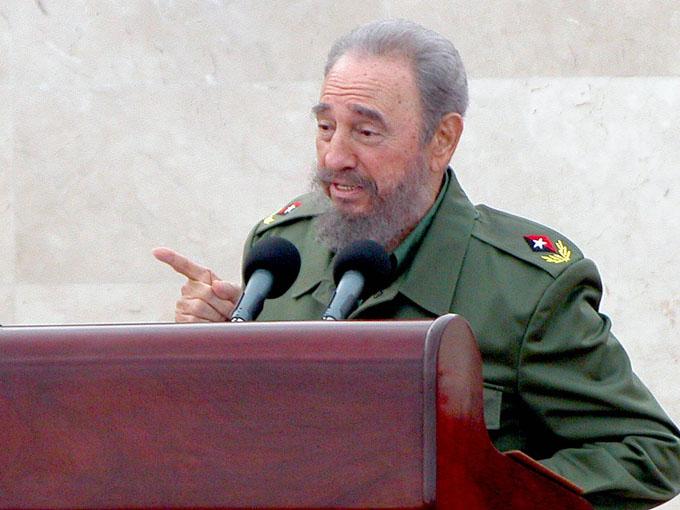 Jóvenes sirios rinden homenaje a Fidel Castro