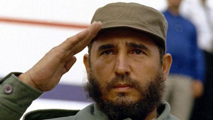 Mirando a Fidel