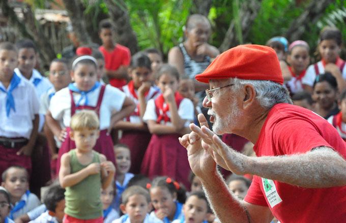 Intercambian artistas latinoamericanos y Guerrilla de teatreros