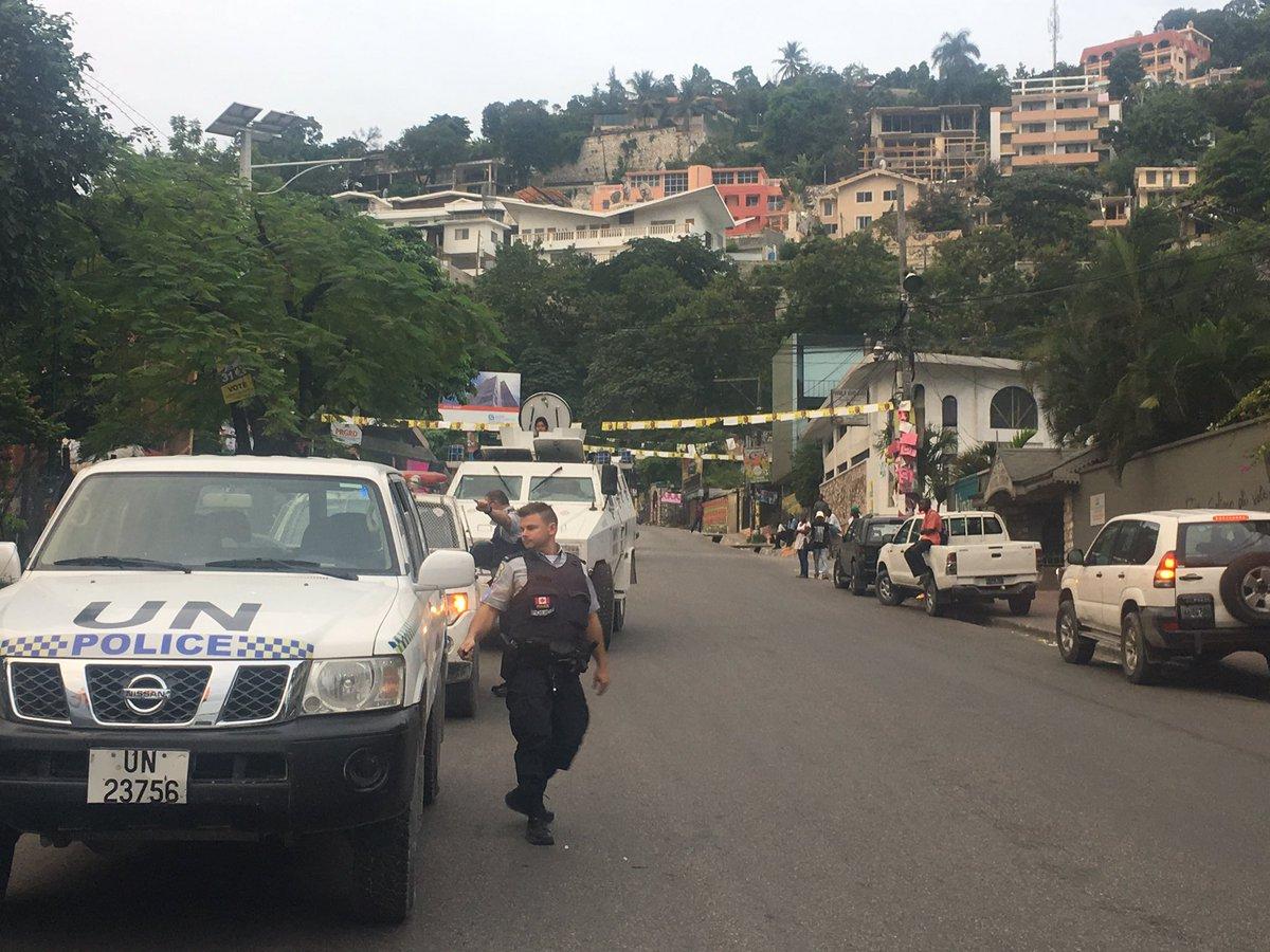 Inician elecciones presidenciales y legislativas en Haití (+ fotos)