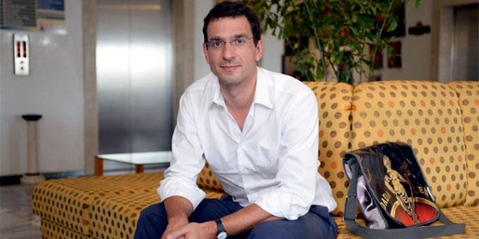 Director francés elogia al ron y tabaco cubanos