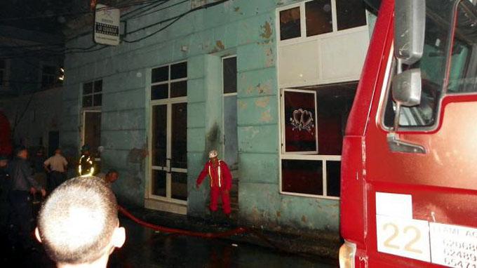 Sofocado incendio de grandes proporciones en calle Enramadas