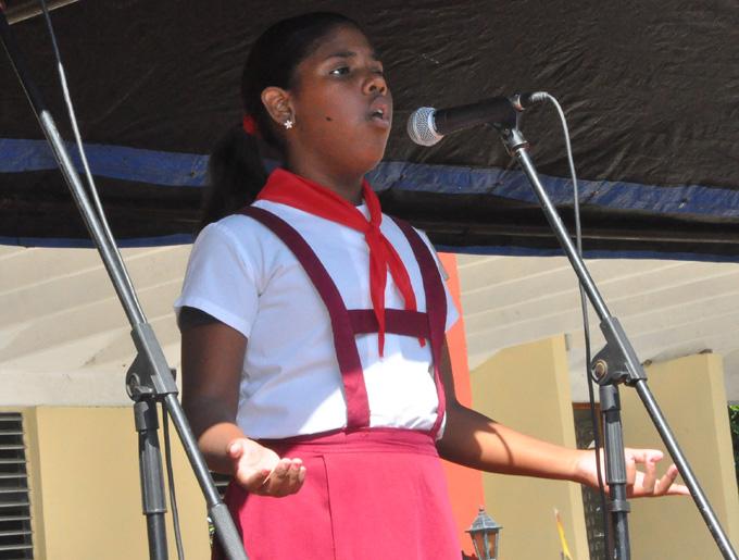 Esta niña interpretó una canción en japonés y en español FOTO/ Rafael Martínez Arias