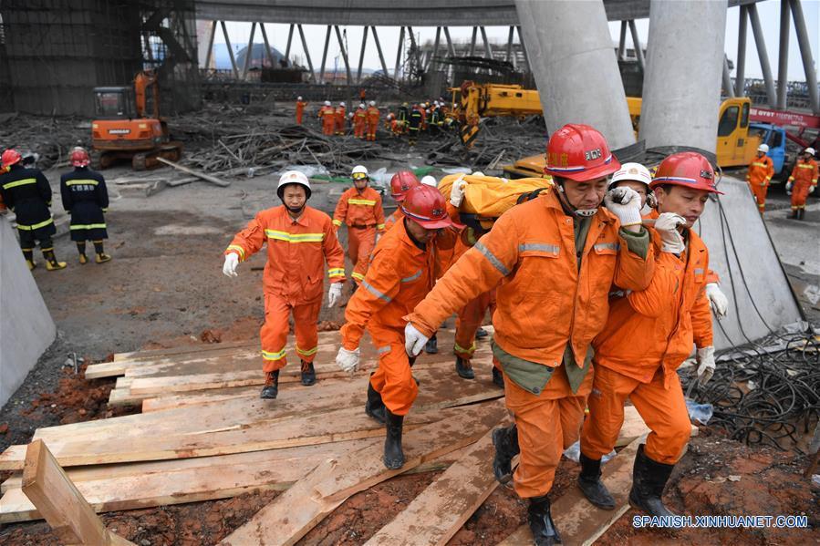 Mueren 67 personas por derrumbe de obra en construcción en este de China