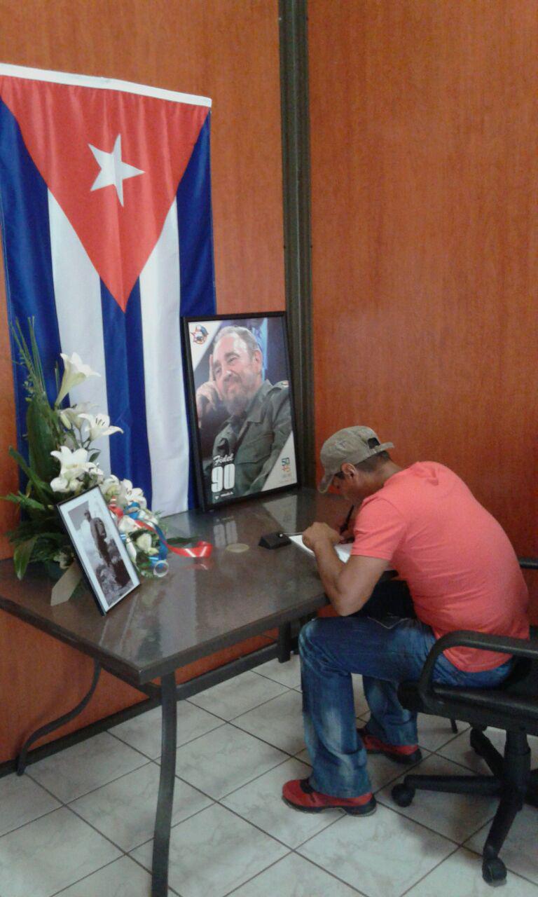 Segunda jornada de homenaje póstumo del pueblo de Granma a Fidel Castro (Minuto a Minuto)