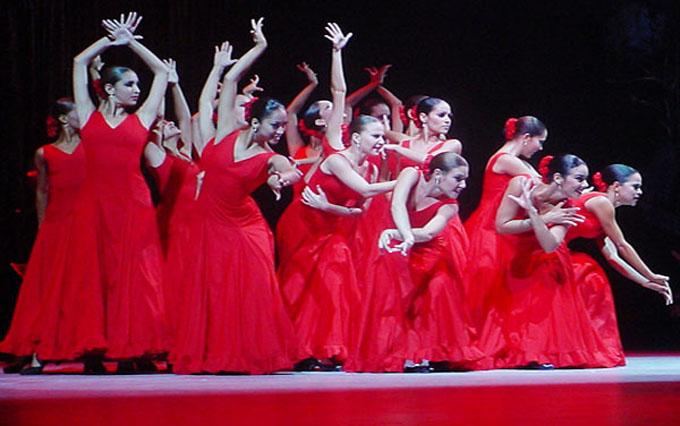 Ballet Lizt Alfonso de Cuba actúa en Chicago, Estados Unidos