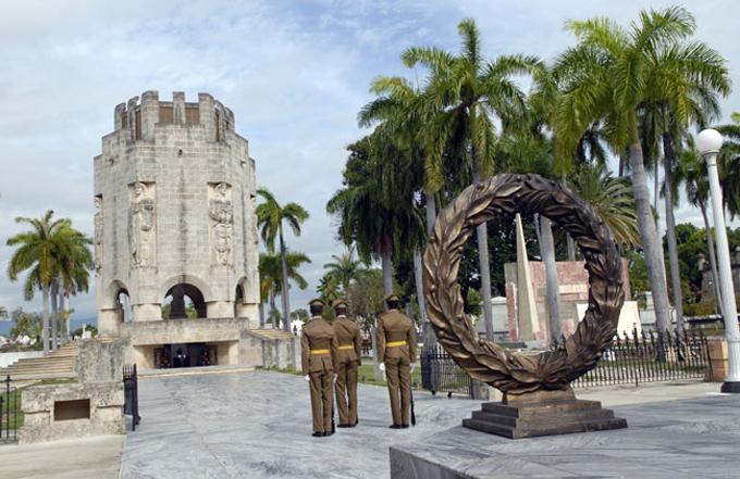 Fidel en el cementerio de Santa Ifigenia: la gloria que se ha vivido