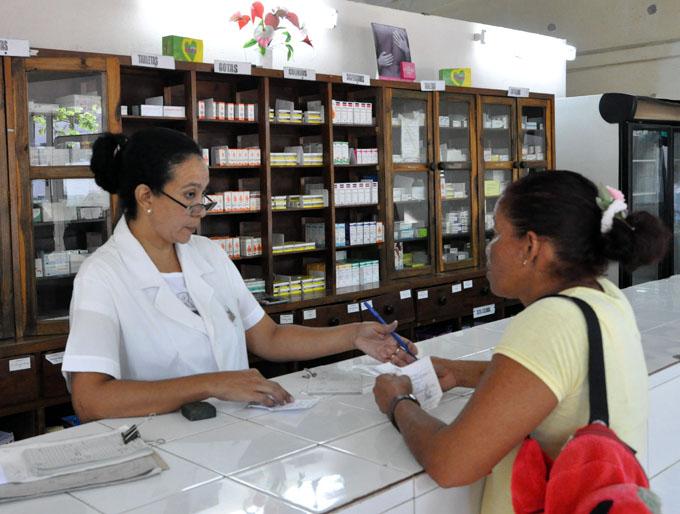 Conmemoran en Granma Día del trabajador Farmacéutico