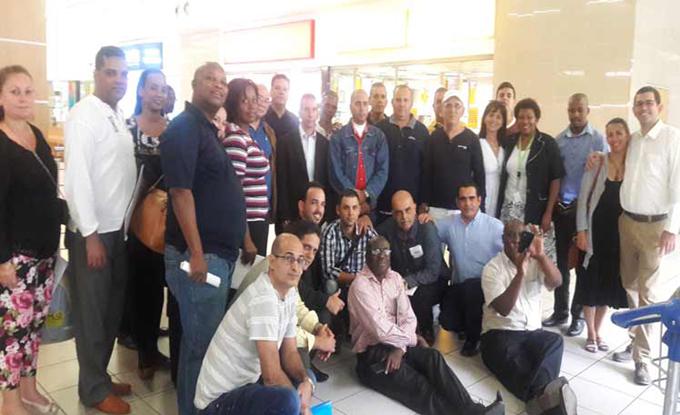 Suman más de 420 los cooperantes cubanos de la salud en Sudáfrica