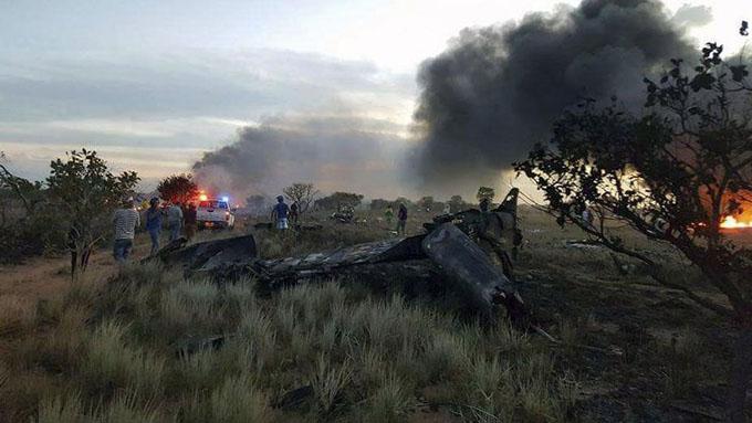 Buscan causas de accidente aéreo que dejó cinco muertos en Colombia