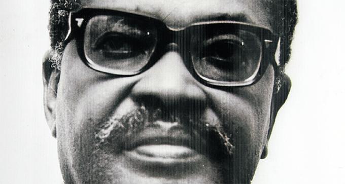 Destacan otorgamiento de premio Mandela a primer presidente angoleño