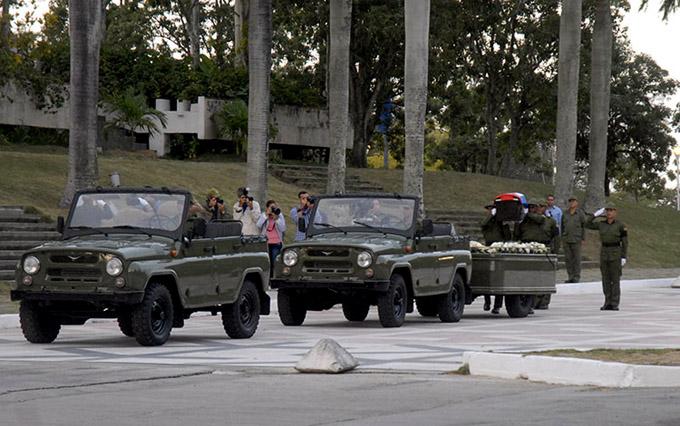 Reanuda marcha hacia el oriente cubano cortejo fúnebre de Fidel