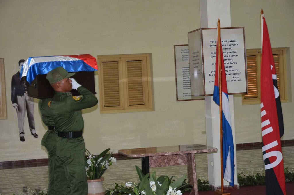Entrada de las cenizas de Fidel al Ñico López 3