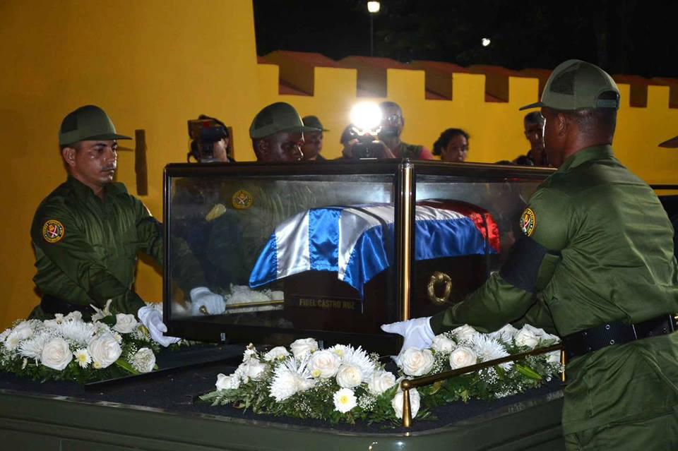 Entrada de las cenizas de Fidel al Ñico López 5