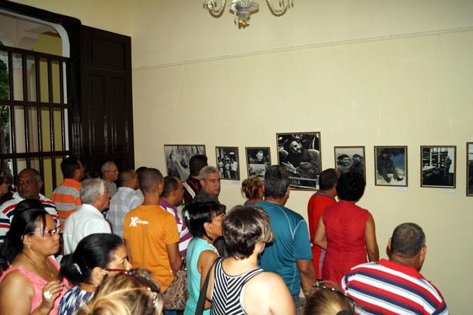 "Inaugurada en Bayamo exposición ""Por siempre Fidel"""