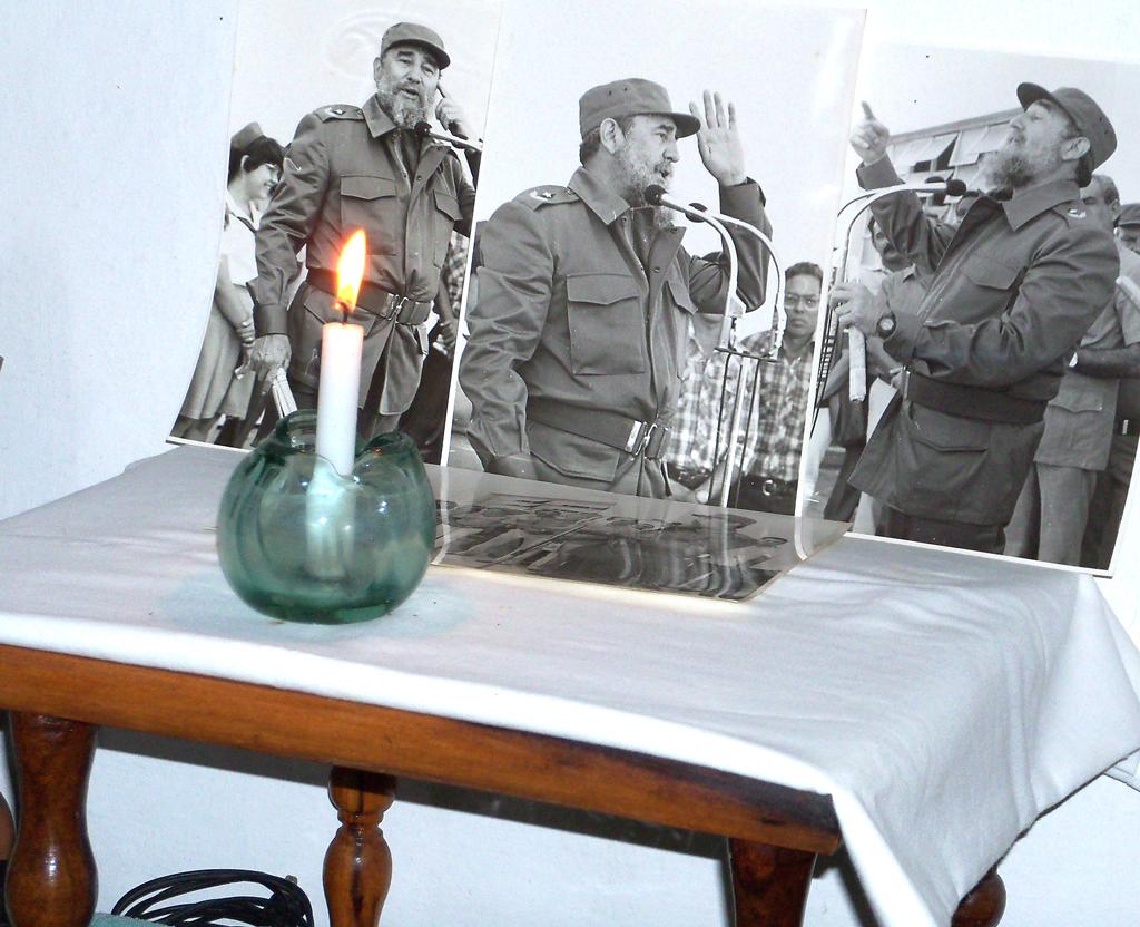 Altar con fotos de Fidel FOTO/Orlando Fombellida Claro