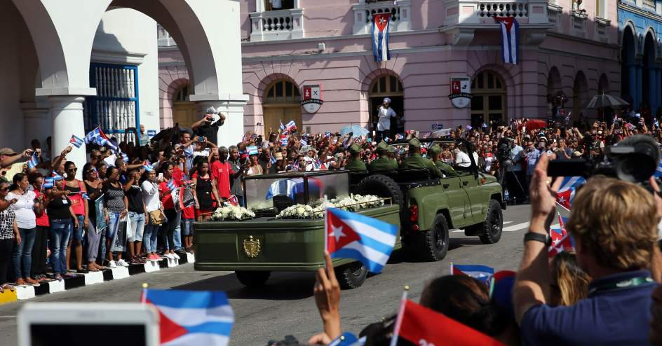 Santiago de cuba recibe a fidel fotos la demajagua for Conciertos en santiago 2016