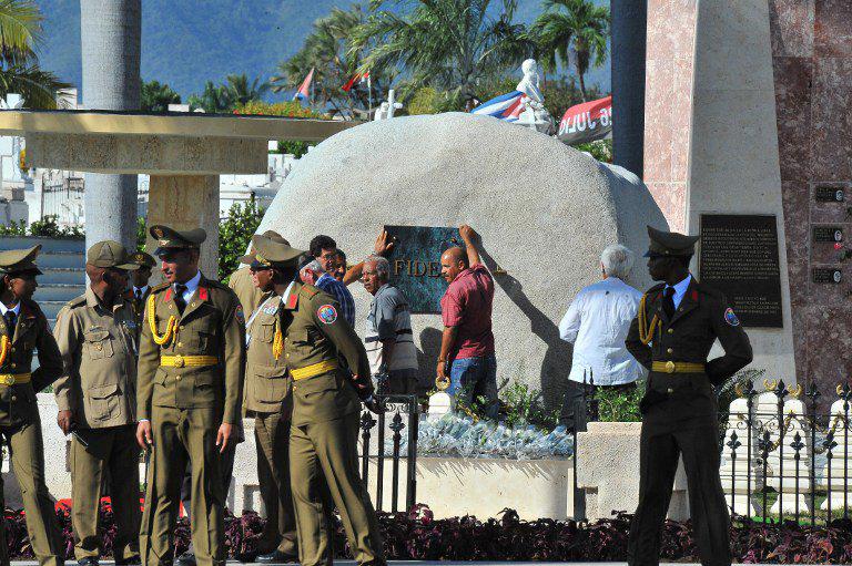 Fidel junto a Martí en Santiago de Cuba (+ fotos y video)