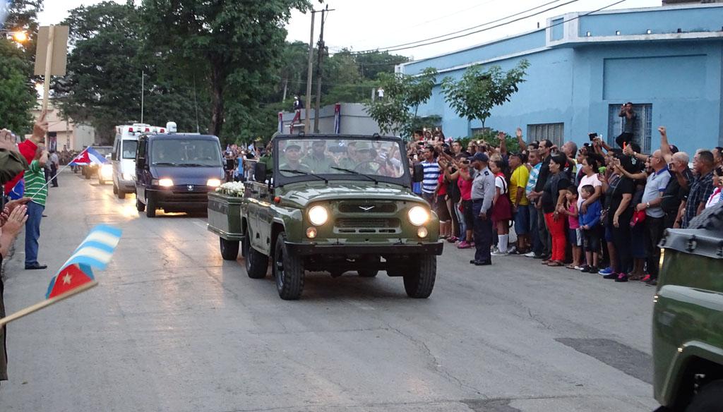 Las cenizas de Fidel salen de Bayamo 5