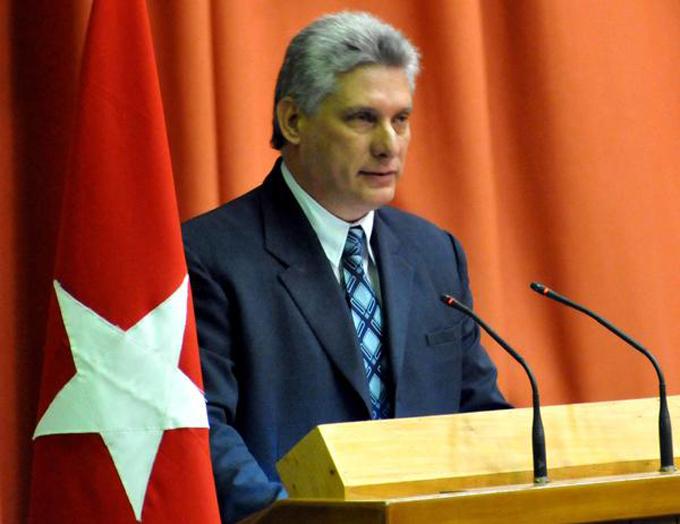 Preside Miguel Díaz Canel acto por el día del educador en Cuba