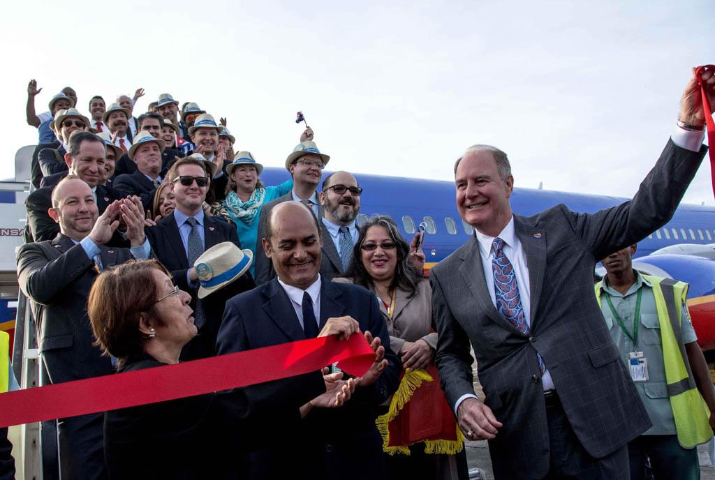 Mayor aerolínea doméstica estadounidense inicia viajes a La Habana (+ video)