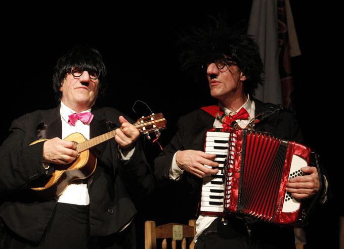 Un solo para dos, del grupo Batida Teatro de Dinamarca/ FOTO Carlos Daniel Montejo Matamoros
