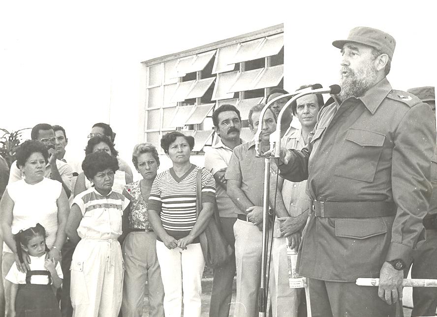 Fidel en el poligráfico José Joaquín Palma, de BayamoFOTO/Orlando Fombellida Claro