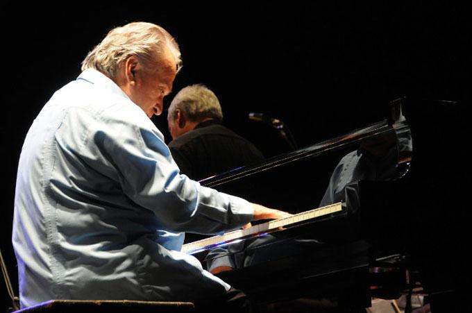 Pianista cubano Frank Fernández dedicará concierto a Fidel