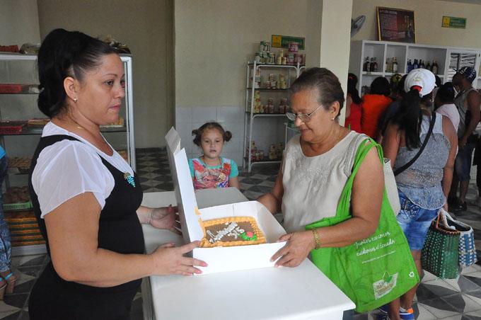 Completan red de mercados Ideales con dulcerías anexas en Granma