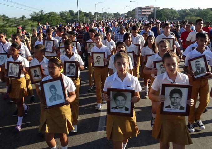 Peregrinación hasta el cementerio Bayamo FOTO/ Luis Carlos Palacios