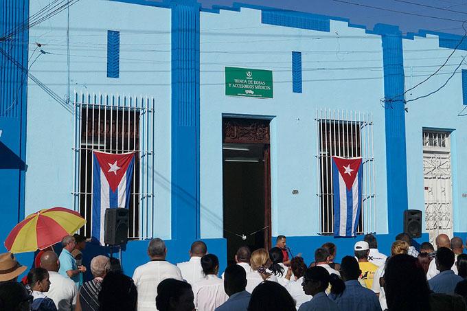 Inauguran obras en Bayamo como saludo al aniversario de la Revolución