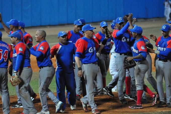 Los Alazanes celebran la segunda victoria en el Cepero / Fotos Rafael Martínez Arias