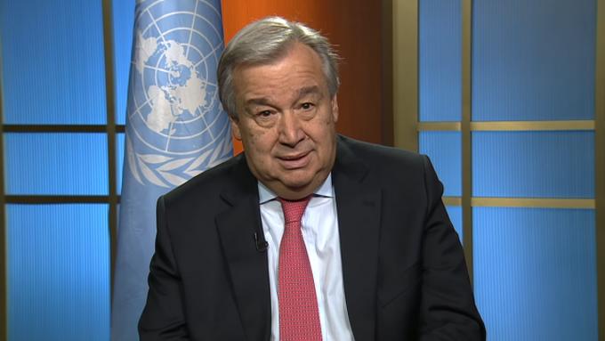 António Guterres por primera vez en su oficina en Naciones Unidas