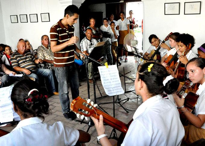 Celebran aniversario de Escuela Profesional de Arte en Bayamo