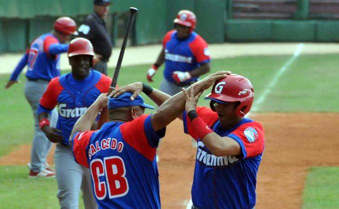 Granma empezó arriba en postemporada de béisbol cubano (+ videos)