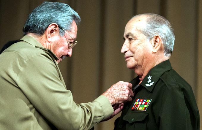 Fallece ministro del Interior y Héroe de la República de Cuba Carlos Fernández Gondín