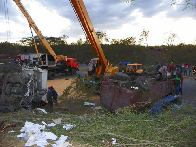 Siguen ingresados 27 lesionados de accidente de tránsito