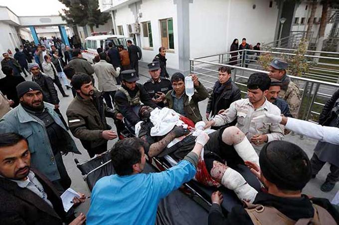 Atentados en capital afgana causan 92 víctimas